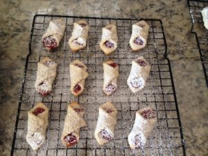raspberry-bowties-with-sugar